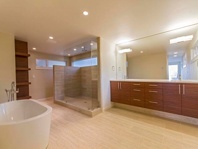 5 bathroom design trends from modern home builders h for New home bathroom trends